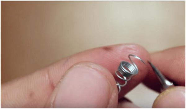 cách bảo vệ dây tai nghe điện thoại (3)